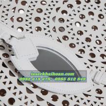 Laser Khải Hoàn nhận cắt laser da, simili và các vật liệu.