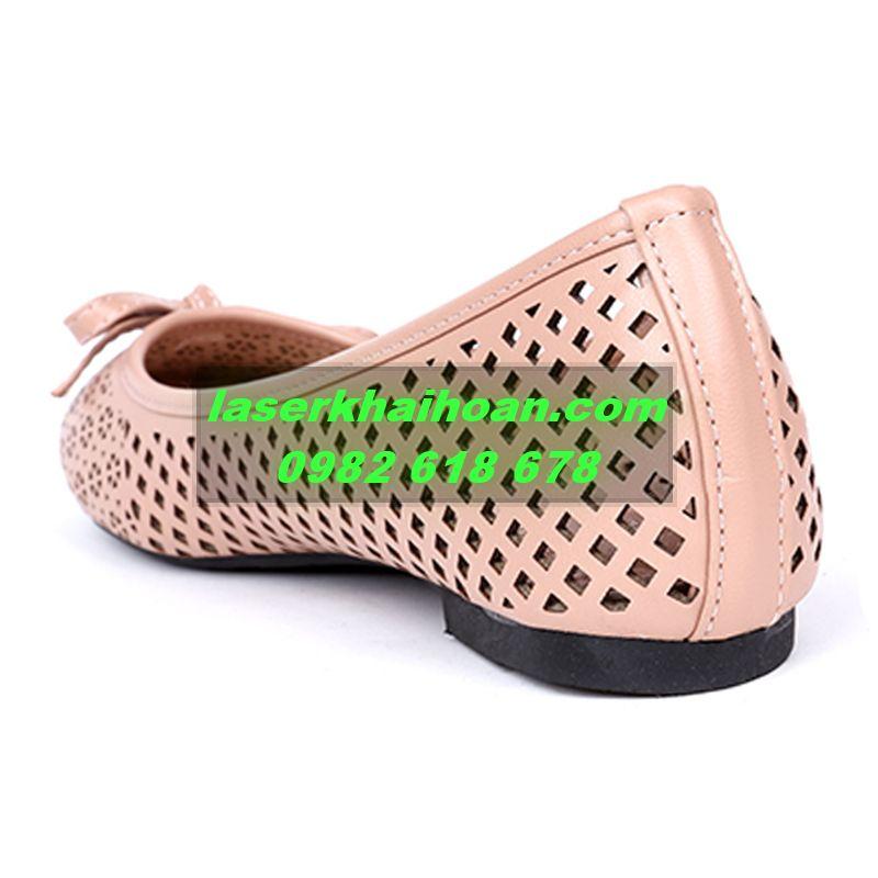 Cắt laser trên da -  simili sản xuất giày dép đẹp, rẻ