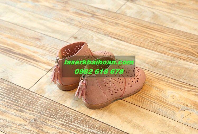 Cắt khắc laser trên da, trên simili làm giày dép đẹp