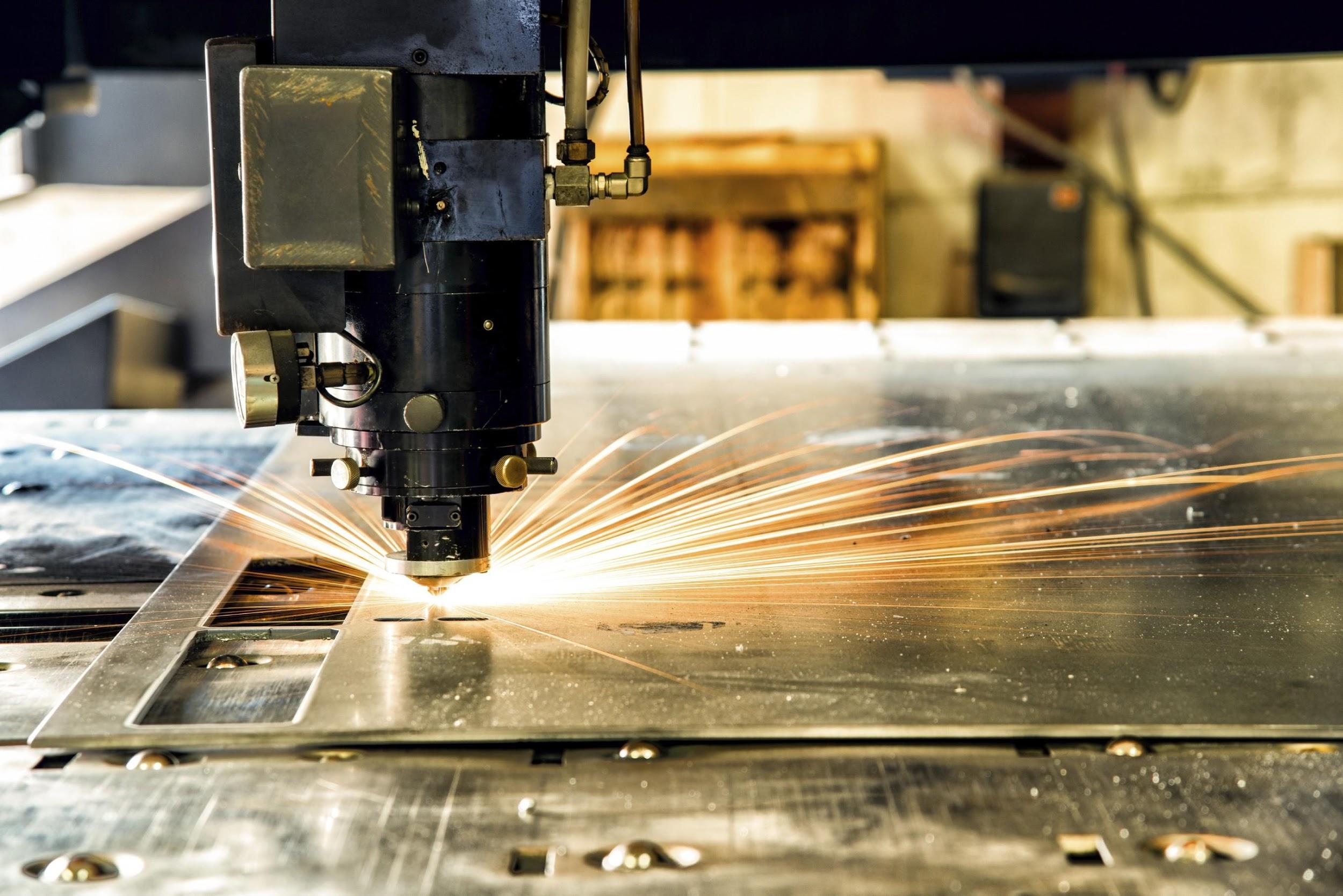 Cắt laser nhiều chất liệu khác nhau với giá rẻ, chất lượng cao