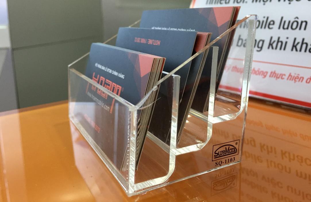 Cắt laser mica làm hộp đựng card visit với giá rẻ