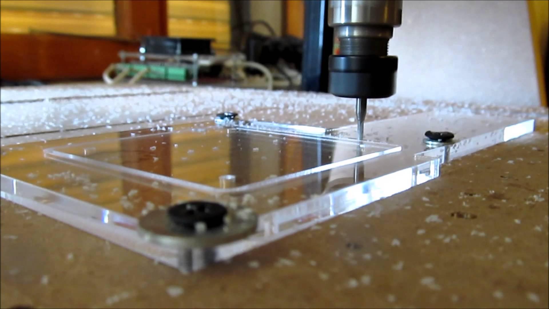 Cắt laser, khắc laser trên mica đẹp, giá rẻ nhất trên thị trường