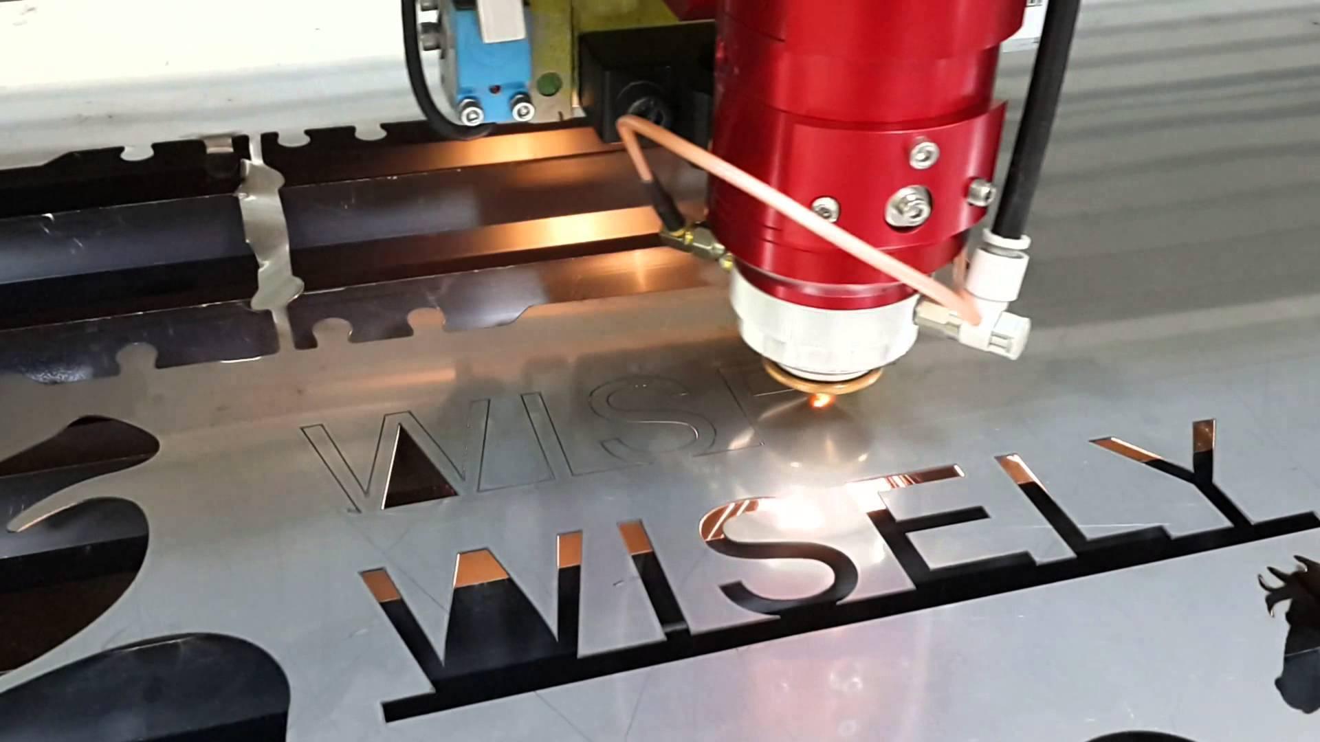 Cắt laser vải với giá rẻ, chất lượng cao với số lượng lớn tại TPHCM với giá rẻ