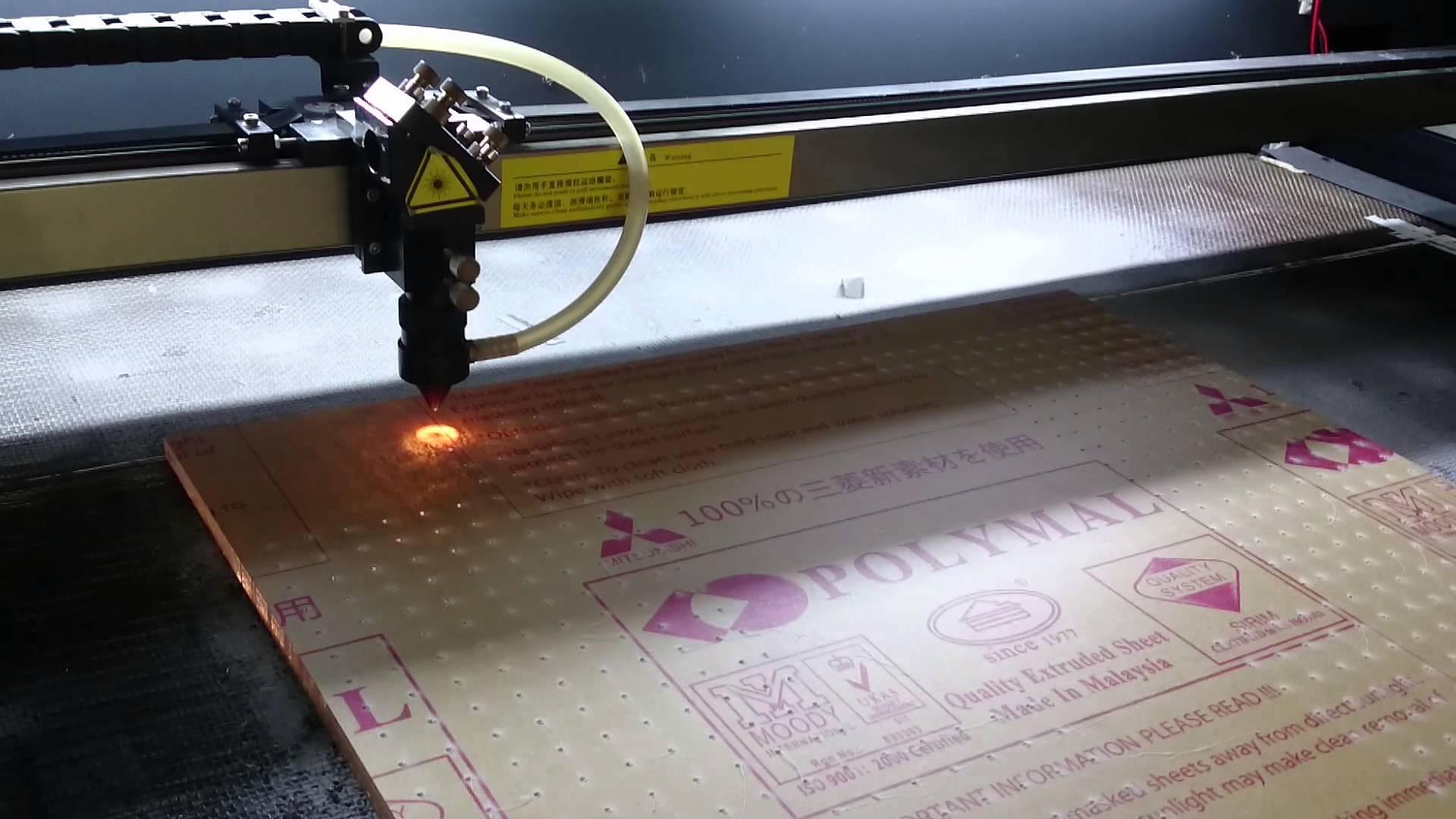 Máy cắt laser, khắc laser trên mica