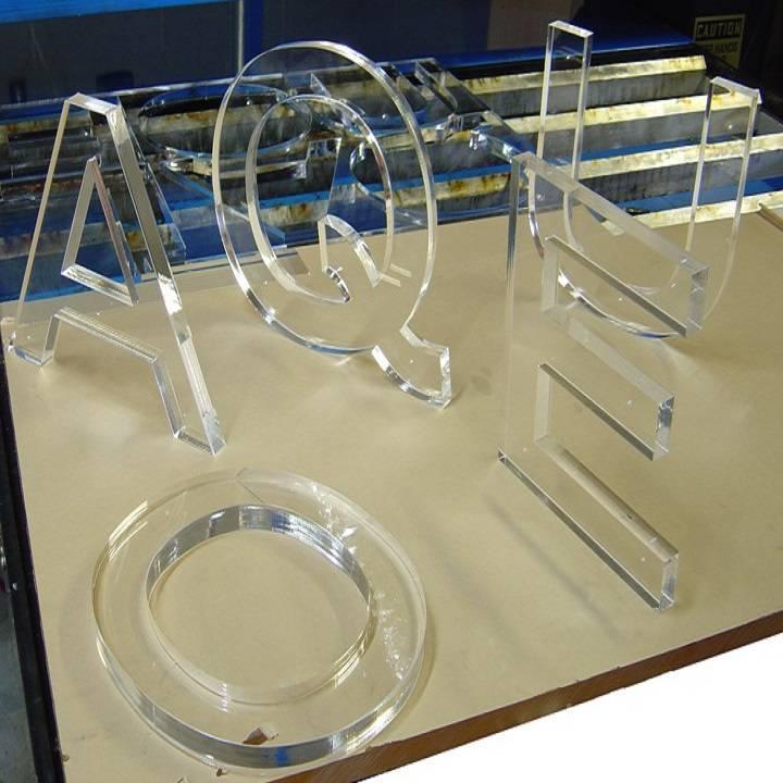 Cắt mica, khắc mica bằng máy laser CNC với giá rẻ, chất lượng cao