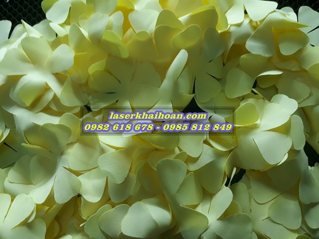 Cắt laser cánh hoa vải đẹp, chất lượng cao