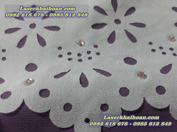Cắt laser trên cánh hoa vải