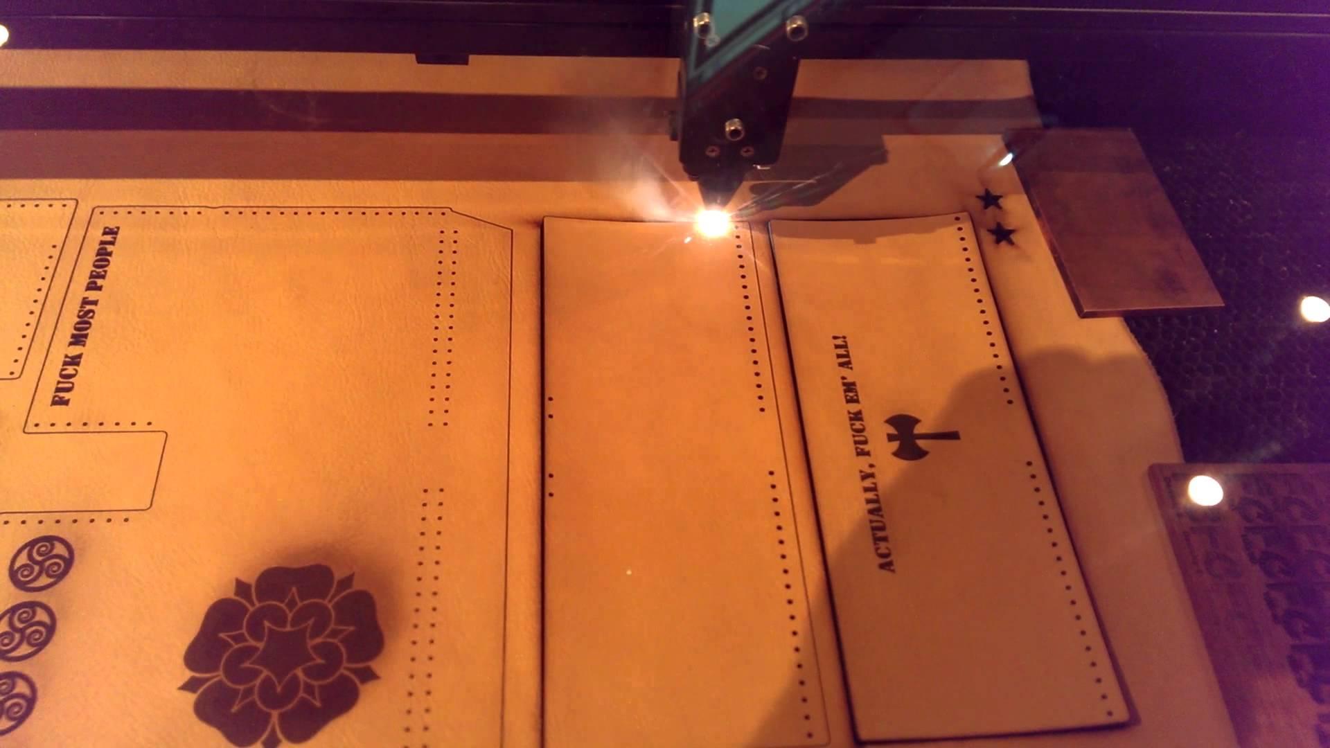 Gia công cắt laser, khắc laser vải, da, simili, giấy, mica bằng máy laser CNC