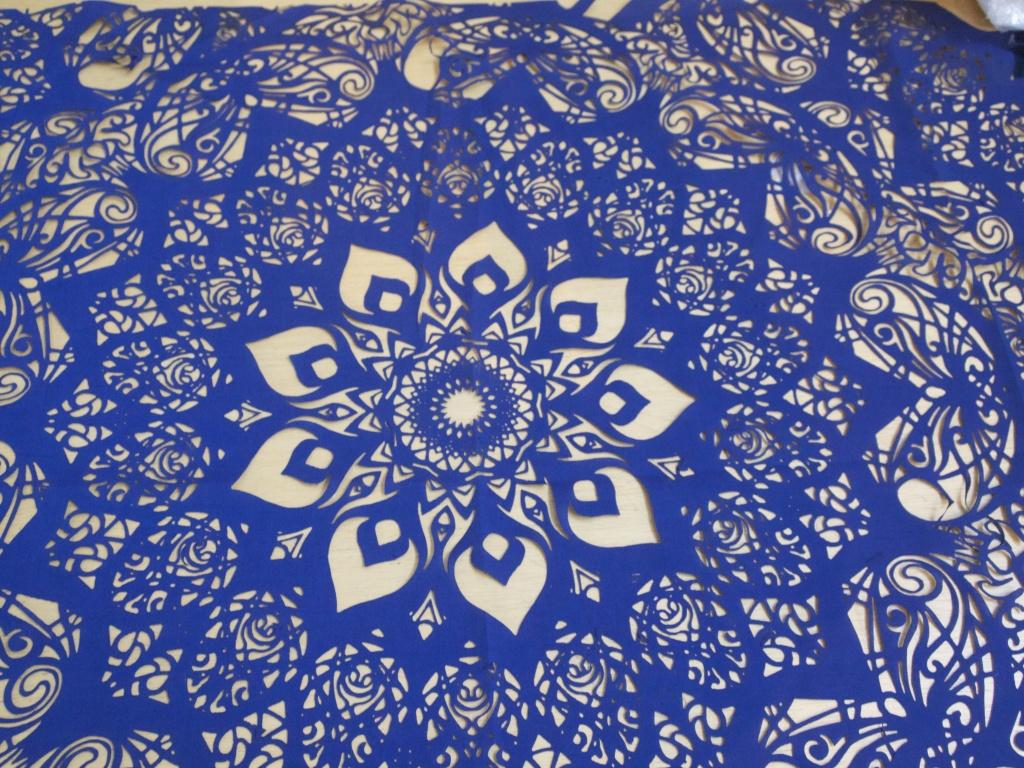 Cắt laser hoa văn, họa tiết trên vải bằng máy laser