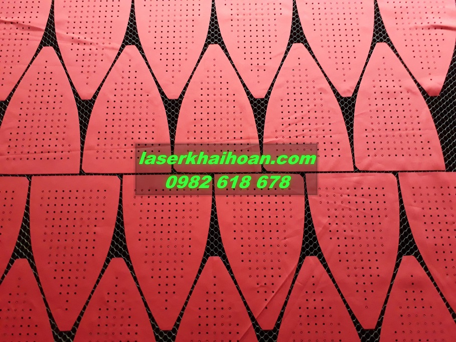 Cắt laser trên vải chất lượng tinh sảo