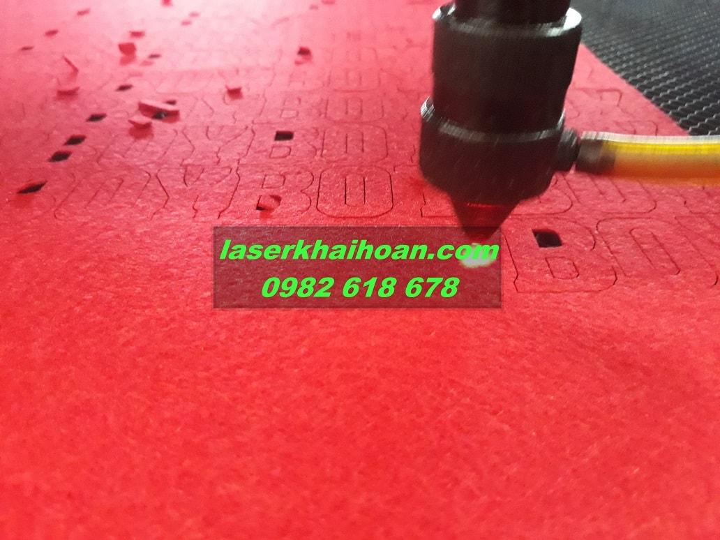 Cắt laser trên vải đẹp và chất lượng cao