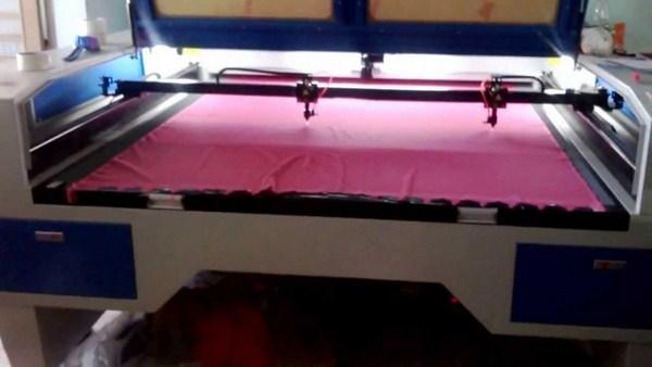 cắt vải bằng tia laser khổ lớn