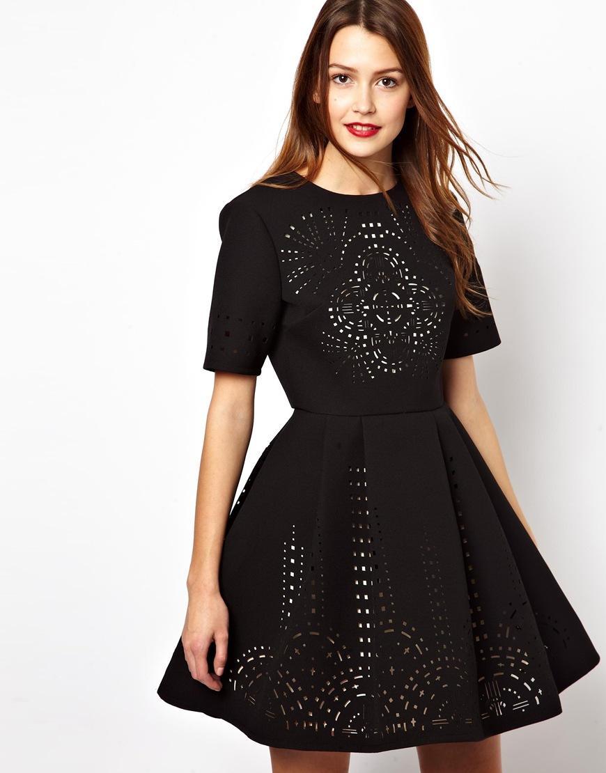 Cắt laser trên vải váy đầm