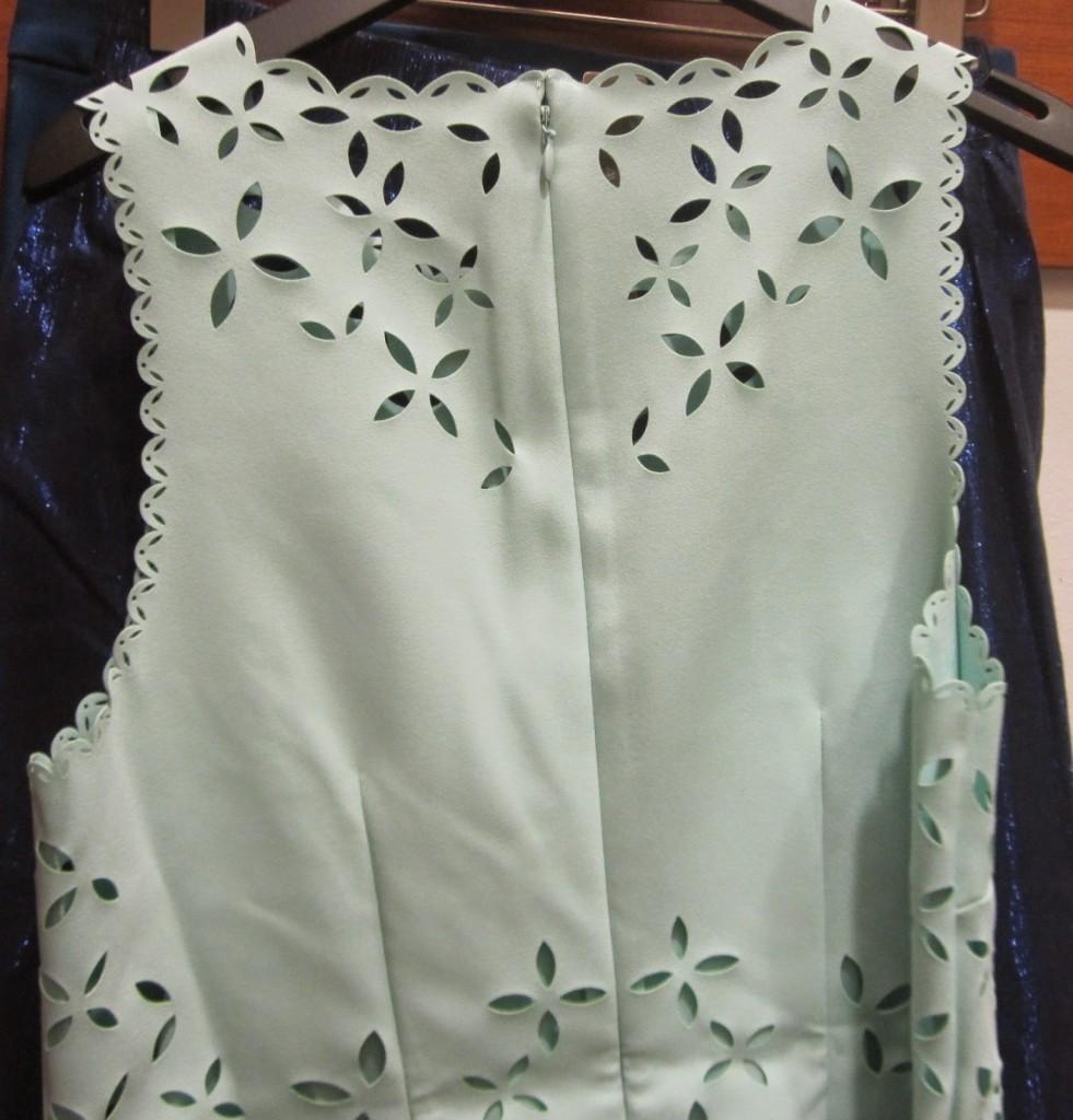 Cắt laser trên vải áo, vải váy đầm chất lượng cao