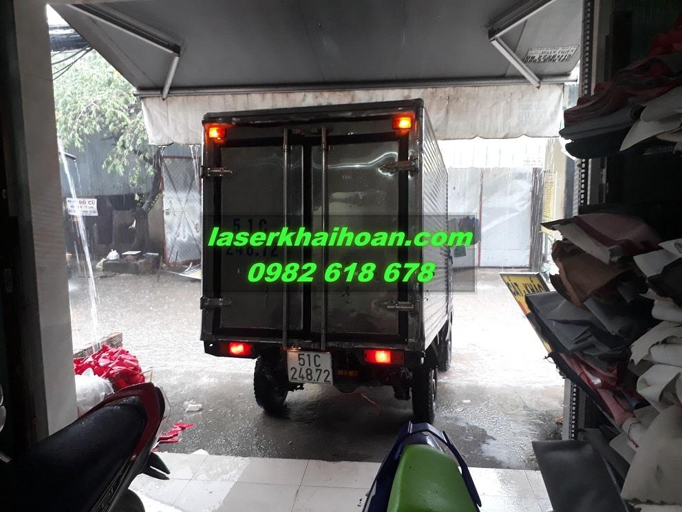 Xe tải chở hàng của Laser Khải Hoàn