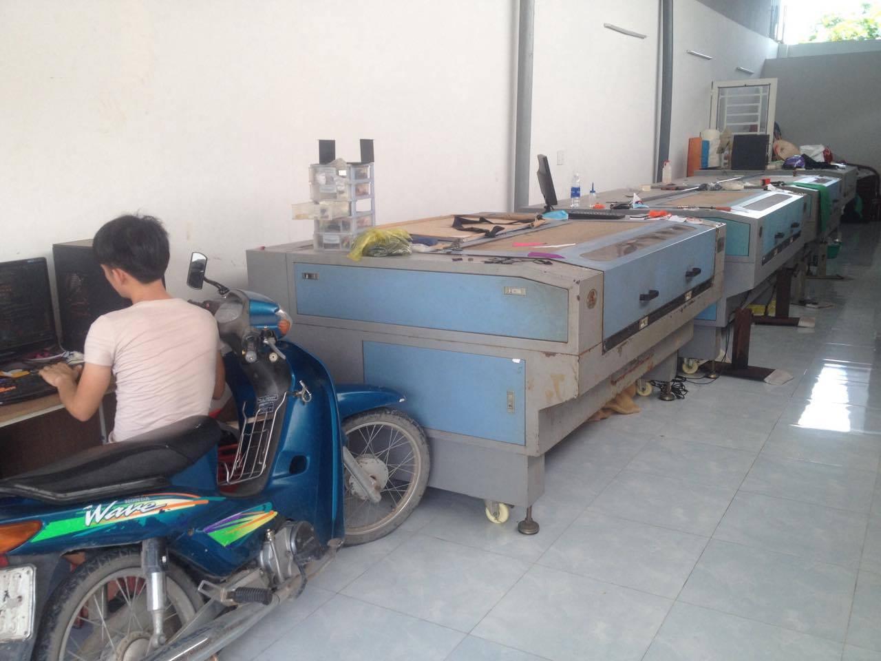 Hệ thống cắt khắc laser trên da trên vải