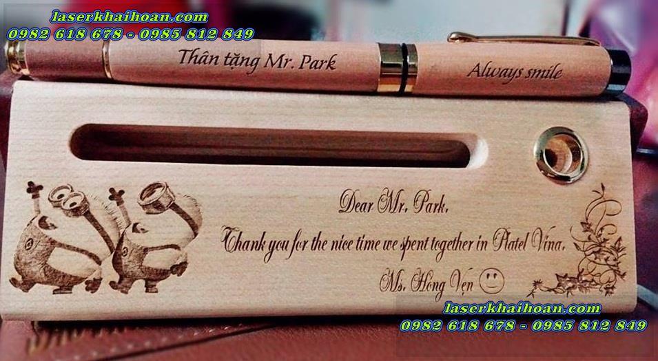 Quà tặng bút gỗ được khắc bằng máy laser chất lượng cao