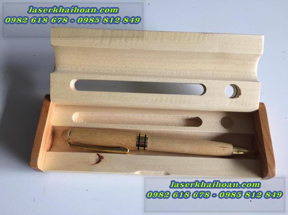 Khắc laser bút gỗ giá rẻ